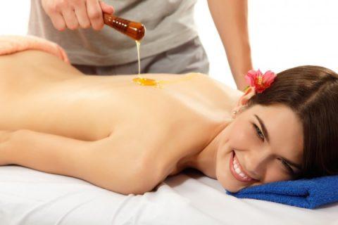 Медовый массаж в салоне