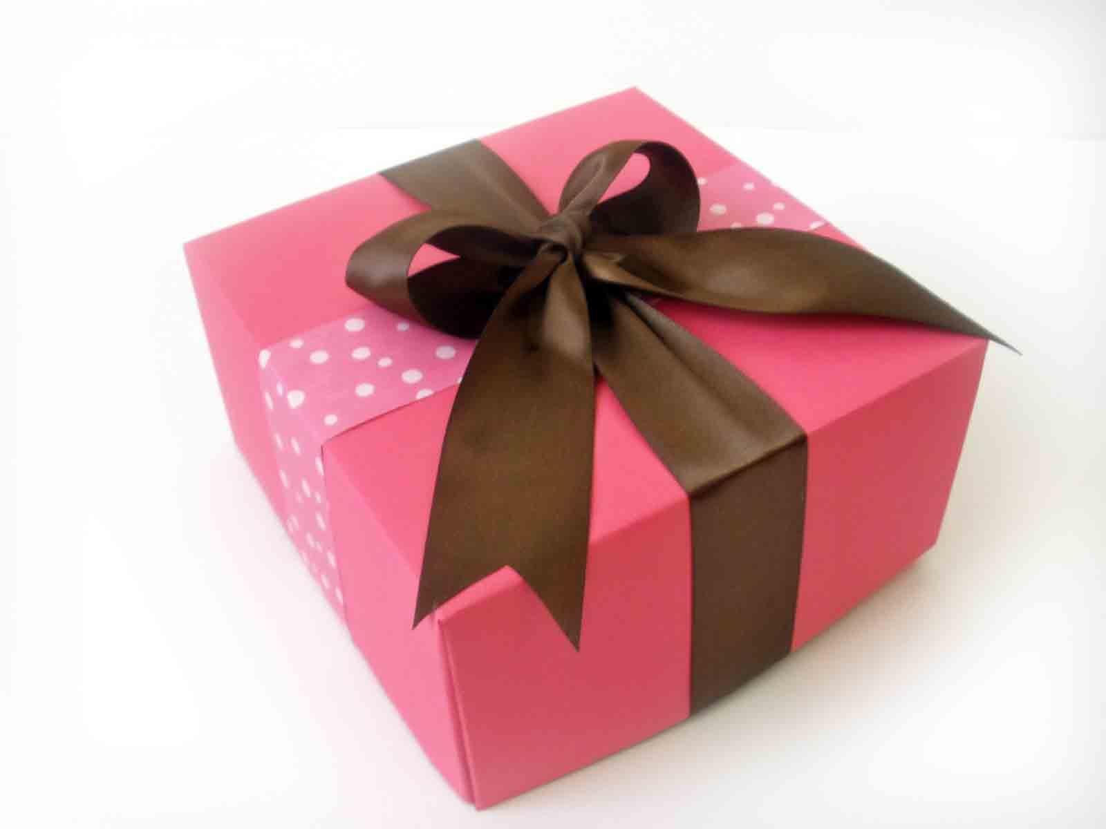 10000 лучших подарков на 8 марта