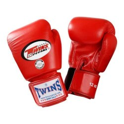 Выбираем боксерские перчатки