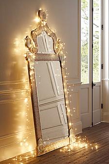 декор квартиры гирляндой на новый год
