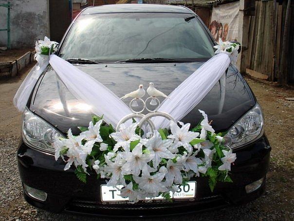 Лучшие идеи как красиво украсить свадебную машину своими руками
