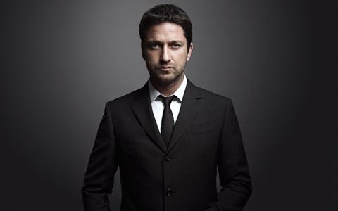 Мужской деловой костюм черного цвета