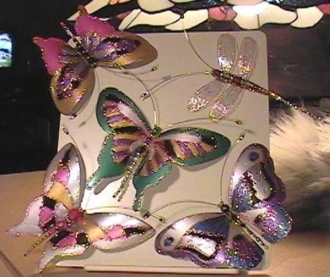 Книга с бабочками