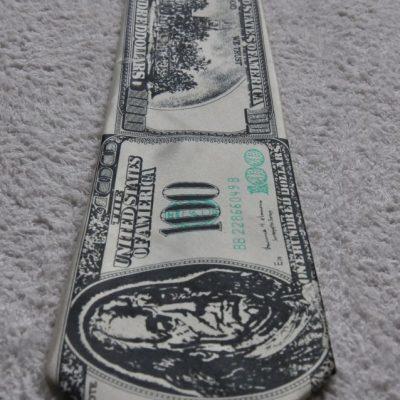 Галстук из долларов
