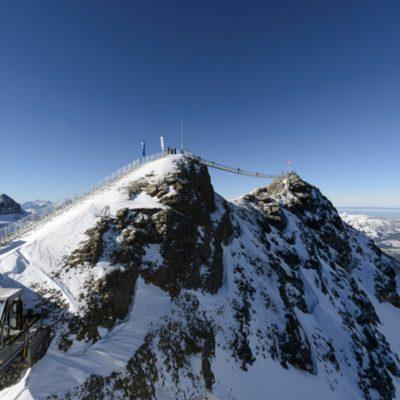 Отдых в заснеженных горах Швейцарии