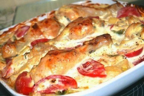 курица под соусом с овощами