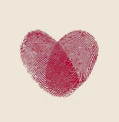 Сердечко из отпечатков пальцев
