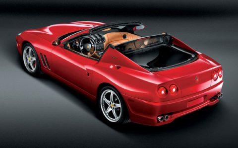 Ferrari Superamerica красного цвета