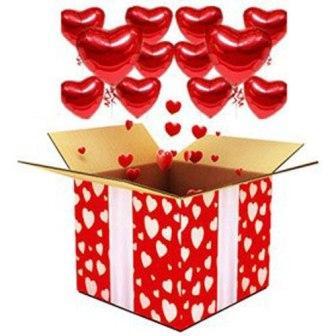 Коробка с парящими сердцами