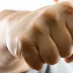 Учимся правильно бить кулаком