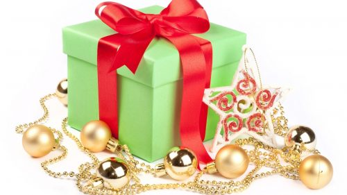 wrap gift with Christmas tree toys