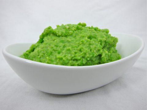 mashed green peas photo