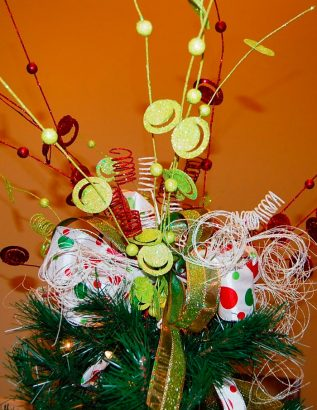 Как украсить макушку елки