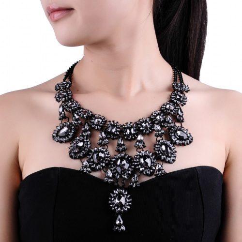 Выгравированное ожерелье