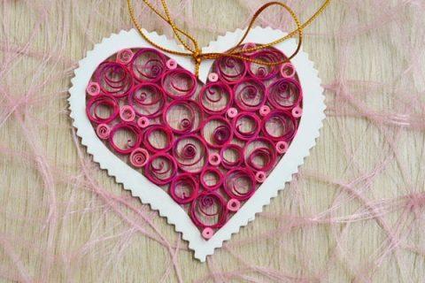 Валентинка «Ажурное сердце» в технике квиллинг